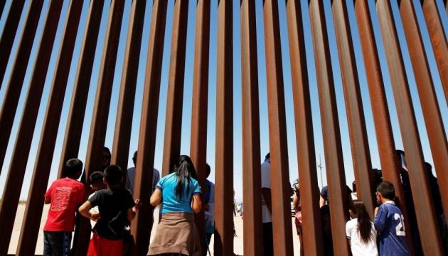 Ще близько тисячі мігрантів прибули в Мексику