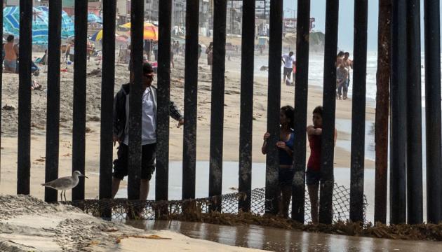Суд в Калифорнии заблокировал выделение денег на стену с Мексикой