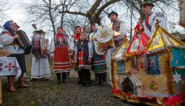 Різдво на Тернопільщині: від рекордної коляди – до свята фольклору