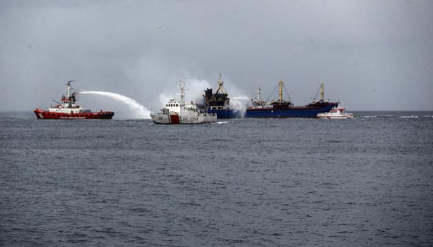 Возле Стамбула горело грузовое судно, экипаж эвакуировали