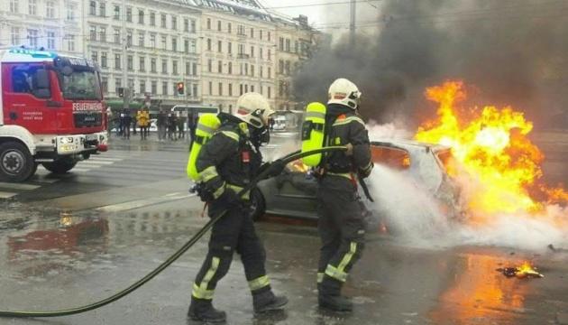 Взрыв авто в центре Вены: пожарные рассказали подробности
