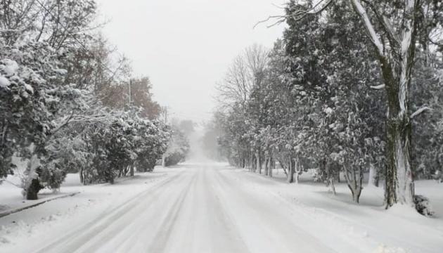 Снежный шторм накрыл украинский курорт