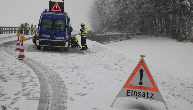 Юго-восток Германии попал в снежный плен