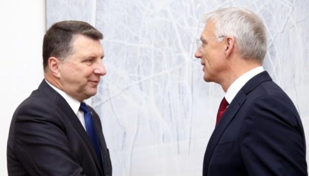 Уряд Латвії доручили сформувати уродженцю США