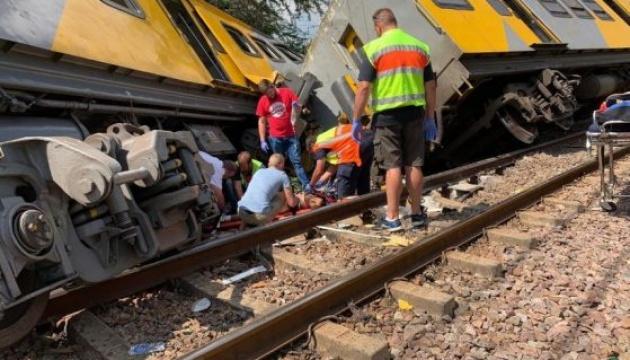 Зіткнення потягів у ПАР: загиблих уже четверо, поранених - 620