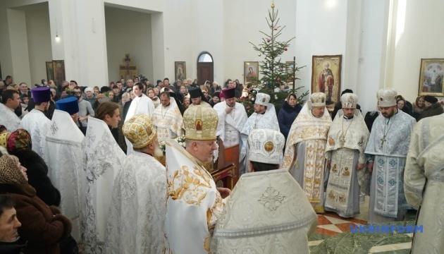 ПЦУ: на Буковині після переходу громад нацменшин їм збережуть мову богослужіння