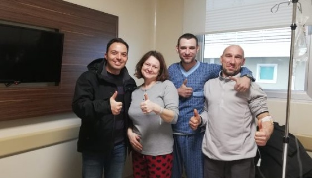 Українських моряків у лікарні Самсуна відвідав їх рятівник
