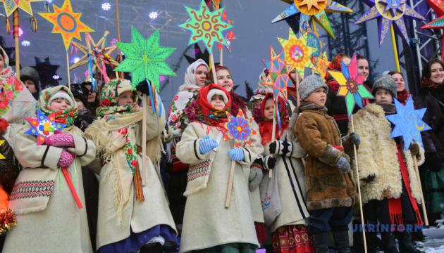 Свечка-великан и совместная коляда: Луцк готовится к этнофестивалю