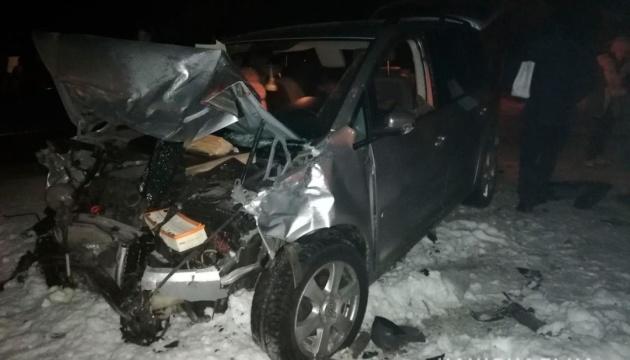 У п'яному ДТП на Буковині постраждали 8 осіб, серед них семирічна дитина