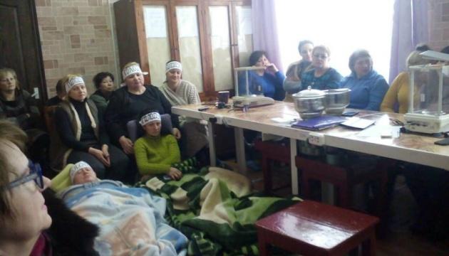 Місія ОБСЄ відвідала працівниць шахти, які голодують восьму добу