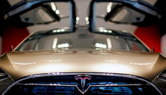 Tesla припиняє продаж бюджетних електрокарів Model S і Model X
