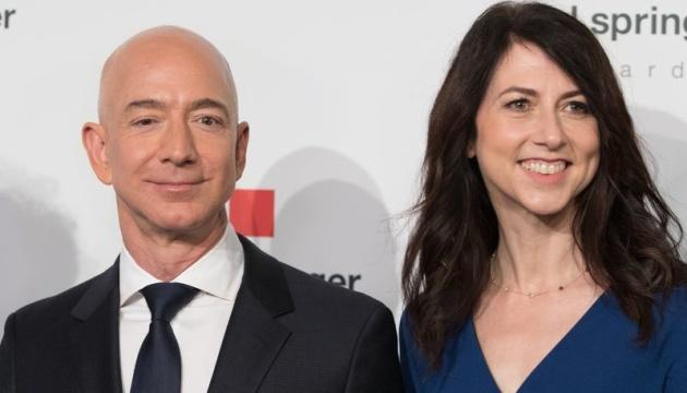 Засновник Amazon заявив про розлучення. На кону – $137 мільярдів