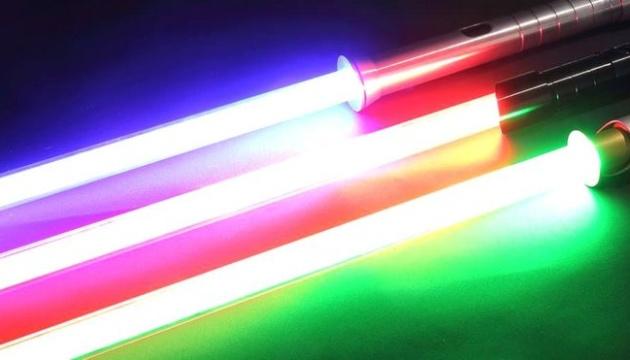 На техновиставці CES-2019 представили світлові мечі