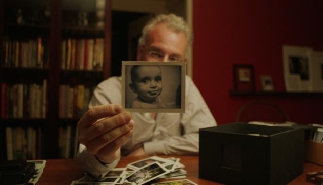 В Киеве покажут фильм о спасении фотоаппарата Polaroid