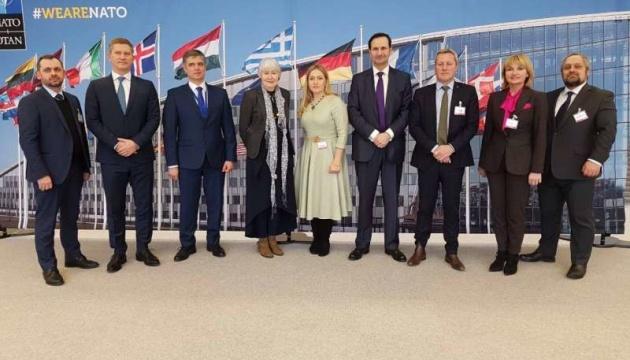 Депутаты ВР донесли делегатам из 12-ти стран позицию в отношении захваченных РФ моряков