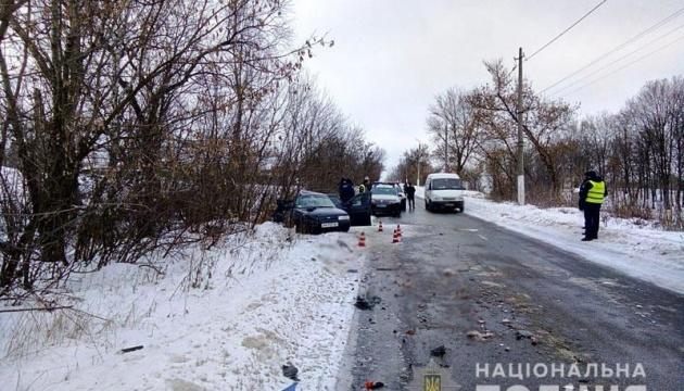 У Краматорську авто врізалося в автобус, загинула сім'я з трьох осіб