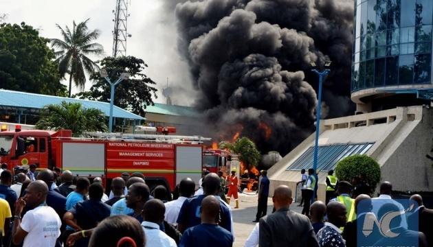 У Нігерії вибухнув бензовоз, понад 20 загиблих