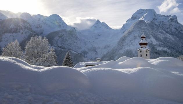 Негода та снігопади у Європі за 10 днів забрали 21 життя