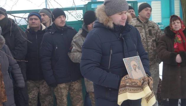 На Житомирщині не впустили до храму священиків МП