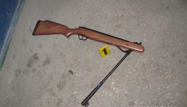 У Кривому Розі чоловік вистрілив із гвинтівки у поліцейського