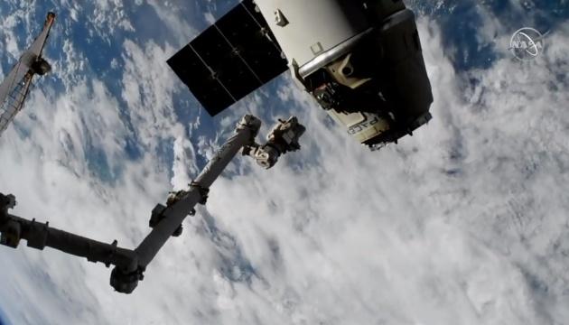 Корабль Dragon отстыковался от МКС и успешно вернулся на Землю