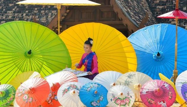 У Таїланді відбудеться фестиваль барвистих парасольок