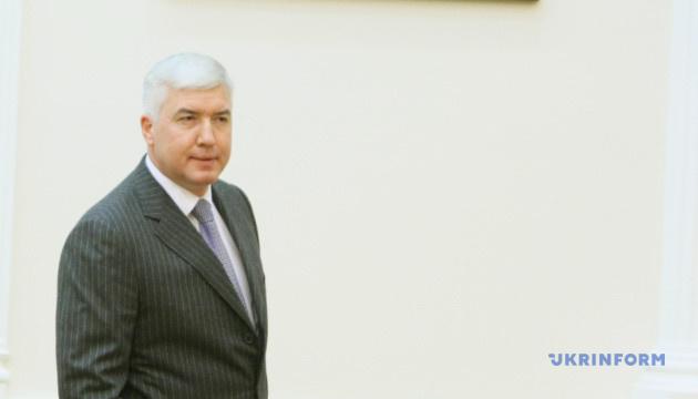 Міністру оборони часів Януковича оголосили підозру у держзраді - Луценко