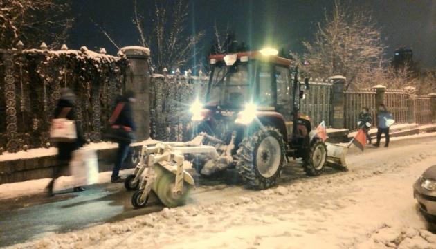 Schneefälle in 8 Regionen am Dienstag - Ukravtodor