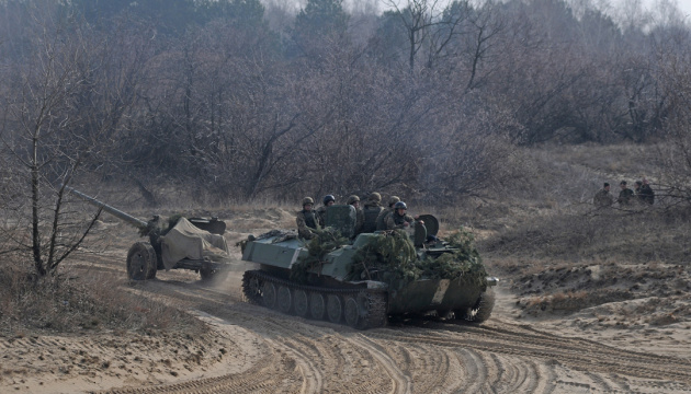 Donbass: 9 Angriffe von Besatzern, zwei Soldaten verletzt
