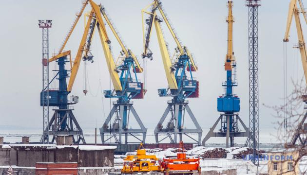 Морпорты Украины увеличили перевалку на 2,5 миллиона