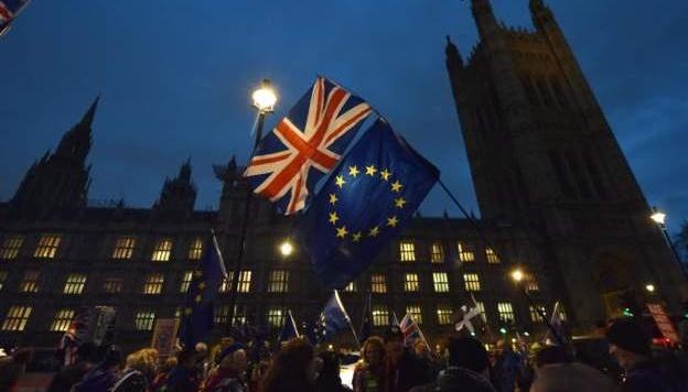 Макрон сказав, коли Євросоюз прийме рішення щодо Brexit-угоди