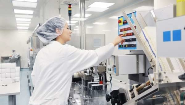 China entrega 230 unidades de equipamiento médico moderno para hospitales de Ucrania