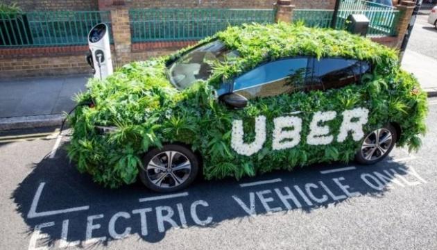 У Лондоні Uber підняв тариф, аби купити водіям електрокари