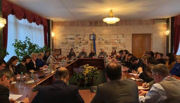 Денісова розповіла дипломатам та родичам моряків про результати судових засідань