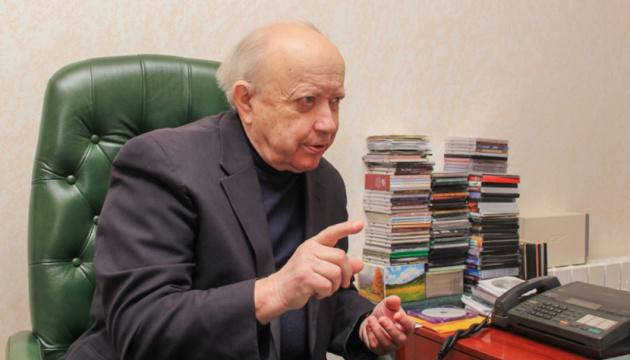 Президент привітав керівника ансамблю імені Вірського з 80-річчям