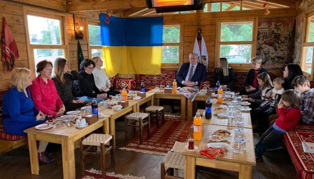 Посол України в Туреччині зустрівся з українською громадою Самсуна