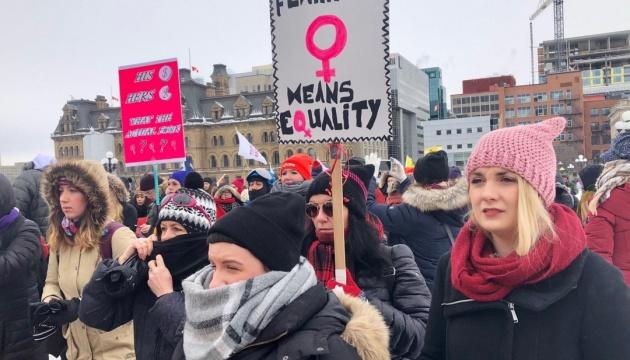 У Оттаві відбувся марш за права жінок попри рекордну холоднечу