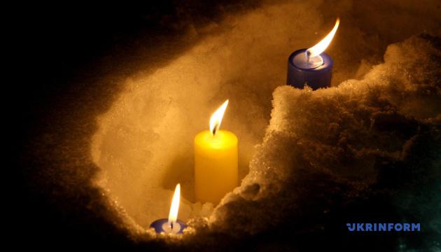ドニプロ市にて、ドネツィク空港防衛戦の戦死者追悼行事が開催