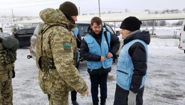 Jefa de la Misión de la ONU visita el punto de entrada y salida
