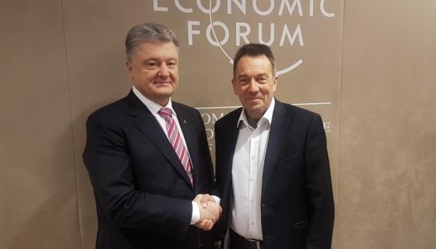 Порошенко скоординував з Червоним Хрестом дії для звільнення українських політв'язнів