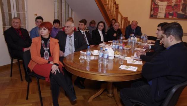 В Азербайджані відбувся круглий стіл за участі української громади