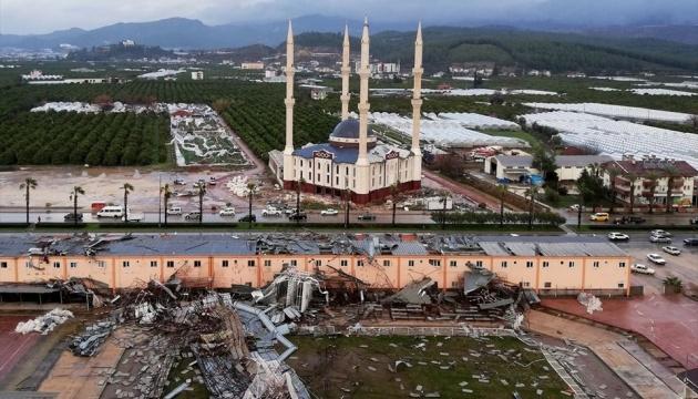 На Анталію обрушився ураган: двоє загиблих, 10 поранених