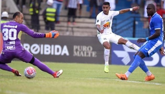 Футбол: Дерліс Гонсалес повернувся до складу