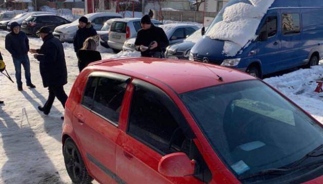 Невідомі обстріляли авто голови ради адвокатів Дніпропетровської області