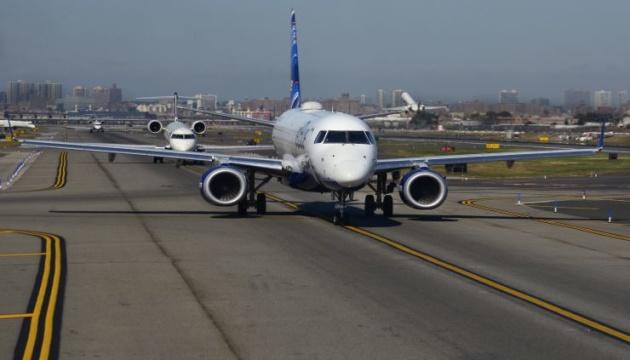 """Аеропорт Нью-Йорка зупинив роботу через """"шатдаун"""""""