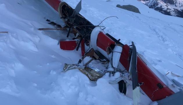 Зіткнення вертольота з літаком в Альпах: кількість загиблих зросла до п'яти