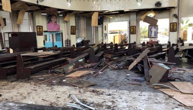 На Філіппінах прогриміли два вибухи біля церкви: 21 загиблий