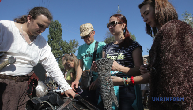 Туристам на Харківщині запропонували повернутися в Середньовіччя
