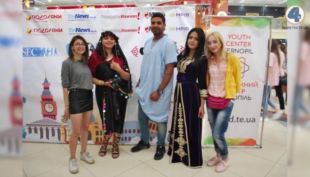 Фестиваль культур у Тернополі зібрав волонтерів з Європи, Африки й Азії