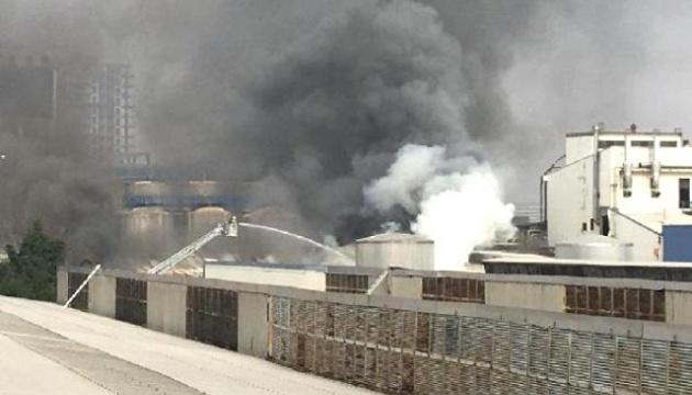 В Стамбуле горит алкогольный завод